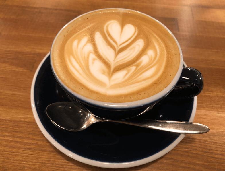 マッチングアプリのOmiaiで出会った女性とカフェで初対面